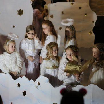 Kinder und Familien an Advent und Weihnachten